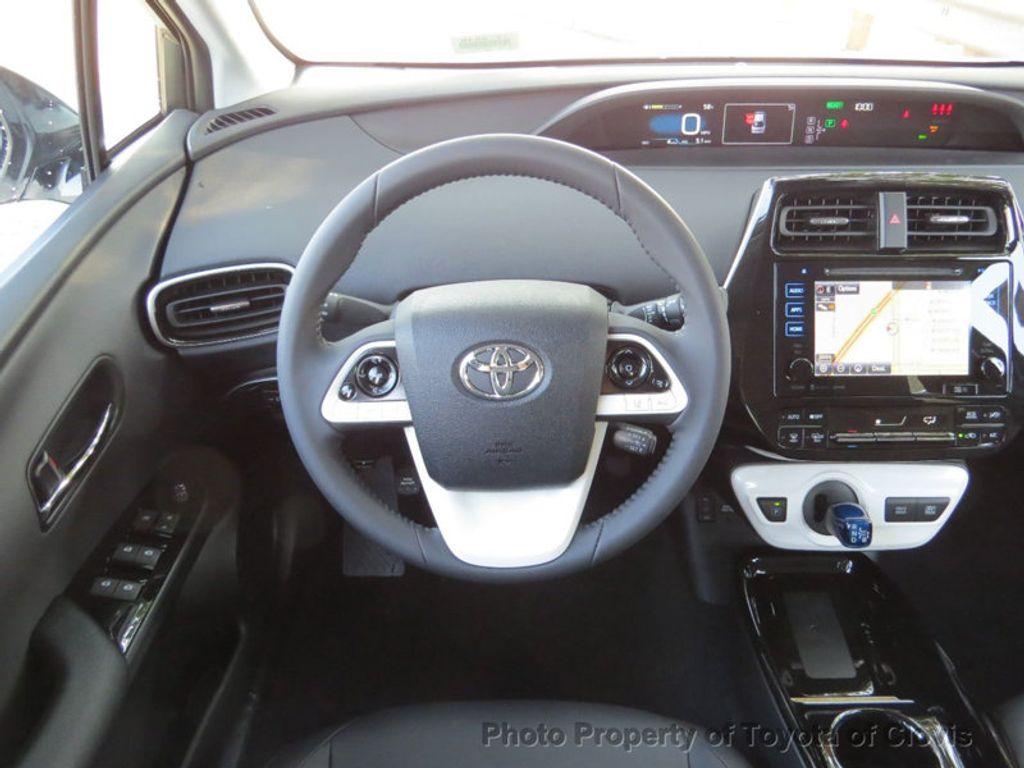 2018 Toyota Prius Four - 17254630 - 6