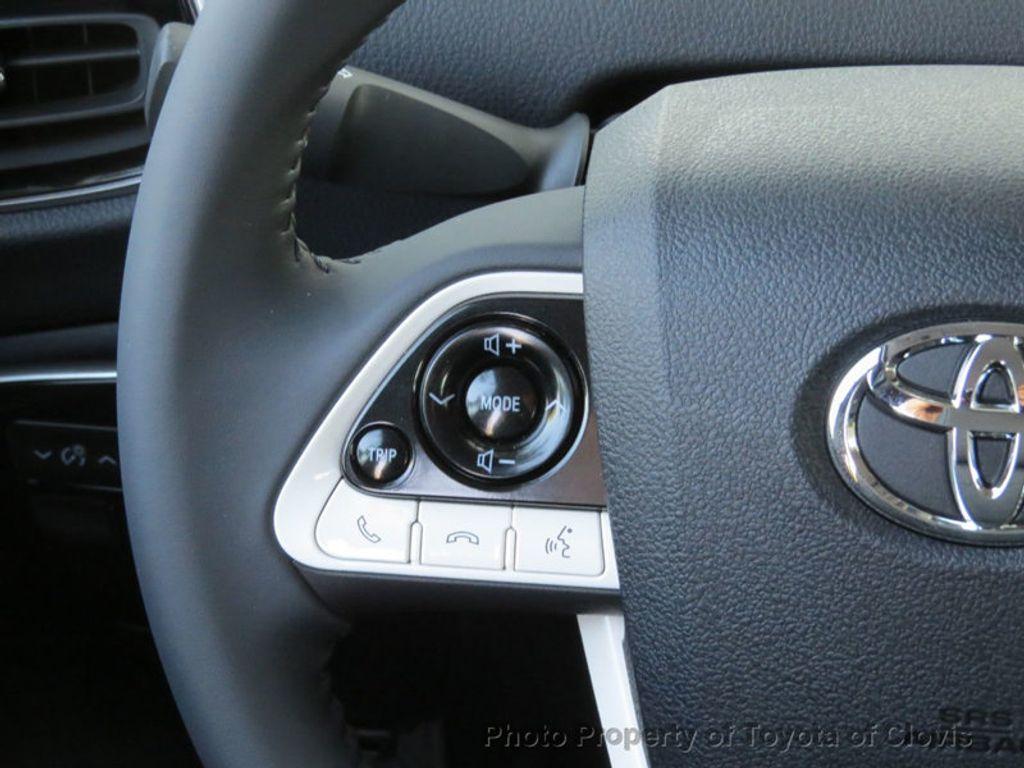 2018 Toyota Prius Four - 17254630 - 8