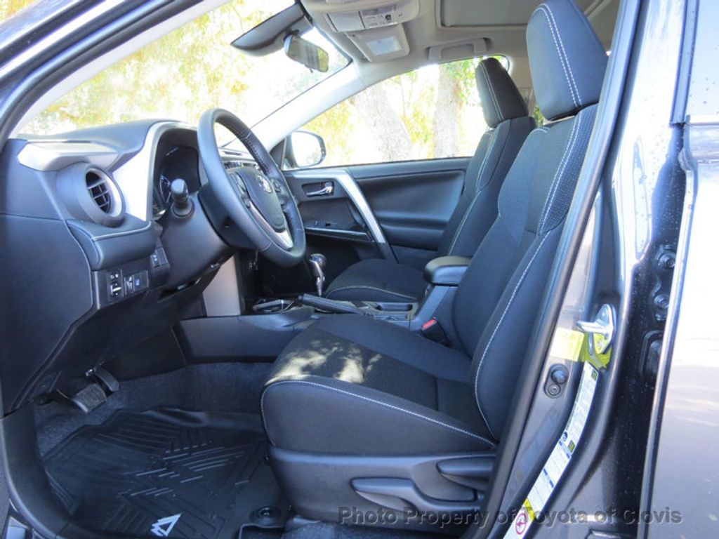 2018 Toyota RAV4 Adventure AWD - 17162523 - 3