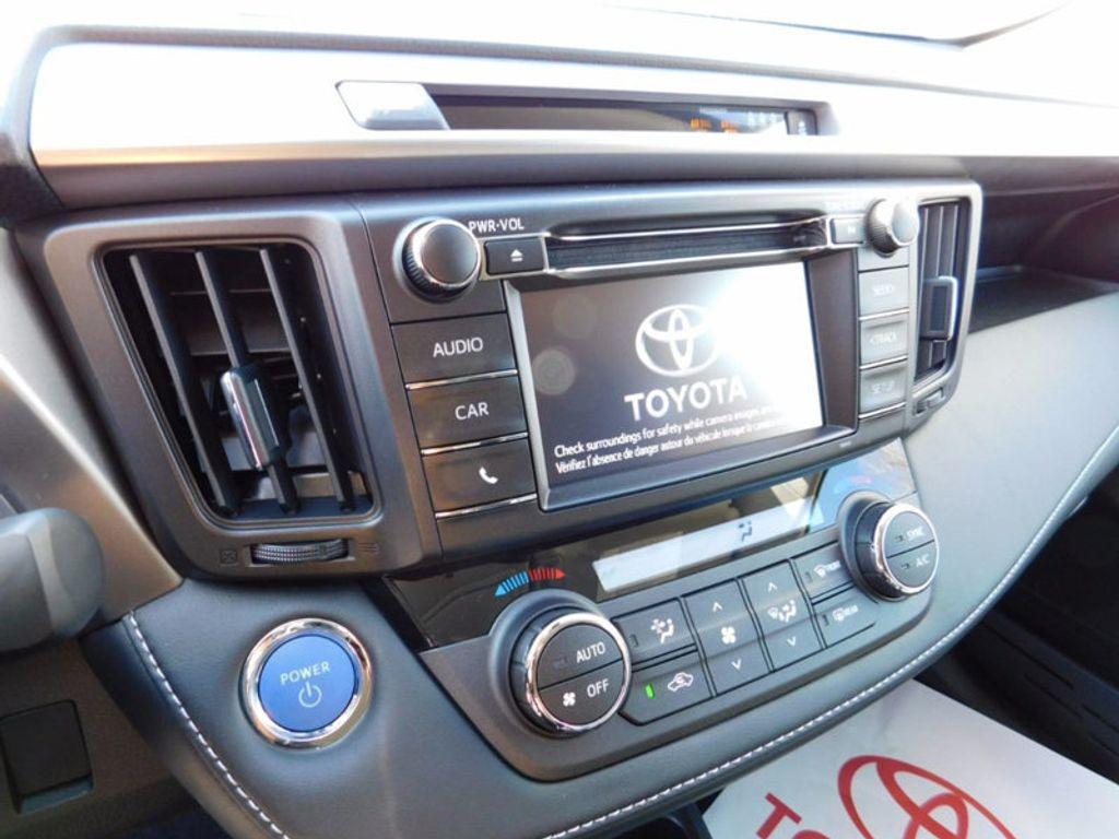 2018 Toyota RAV4 Hybrid LE AWD - 17109485 - 16