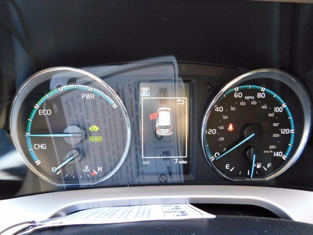 2018 Toyota RAV4 Hybrid LE AWD - 17109485 - 19