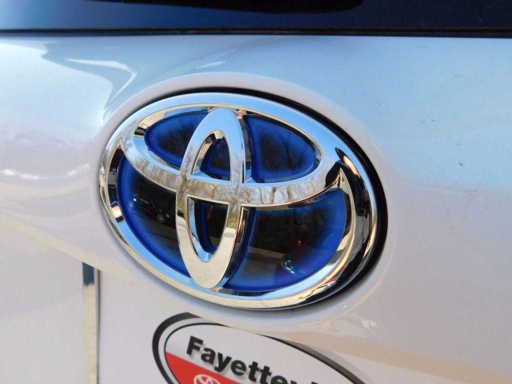 2018 Toyota RAV4 Hybrid LE AWD - 17109485 - 3