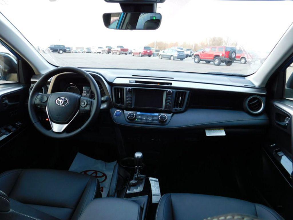2018 Toyota RAV4 Hybrid Limited AWD - 17212380 - 11