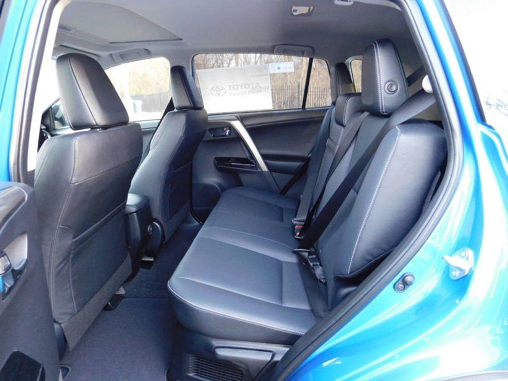 2018 Toyota RAV4 Hybrid Limited AWD - 17212380 - 12