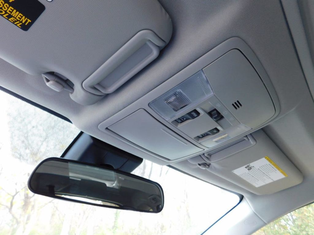 2018 Toyota RAV4 Hybrid XLE AWD - 17062844 - 17
