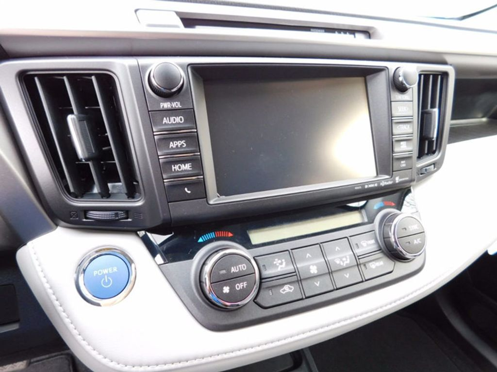 2018 Toyota RAV4 Hybrid XLE AWD - 17062844 - 18