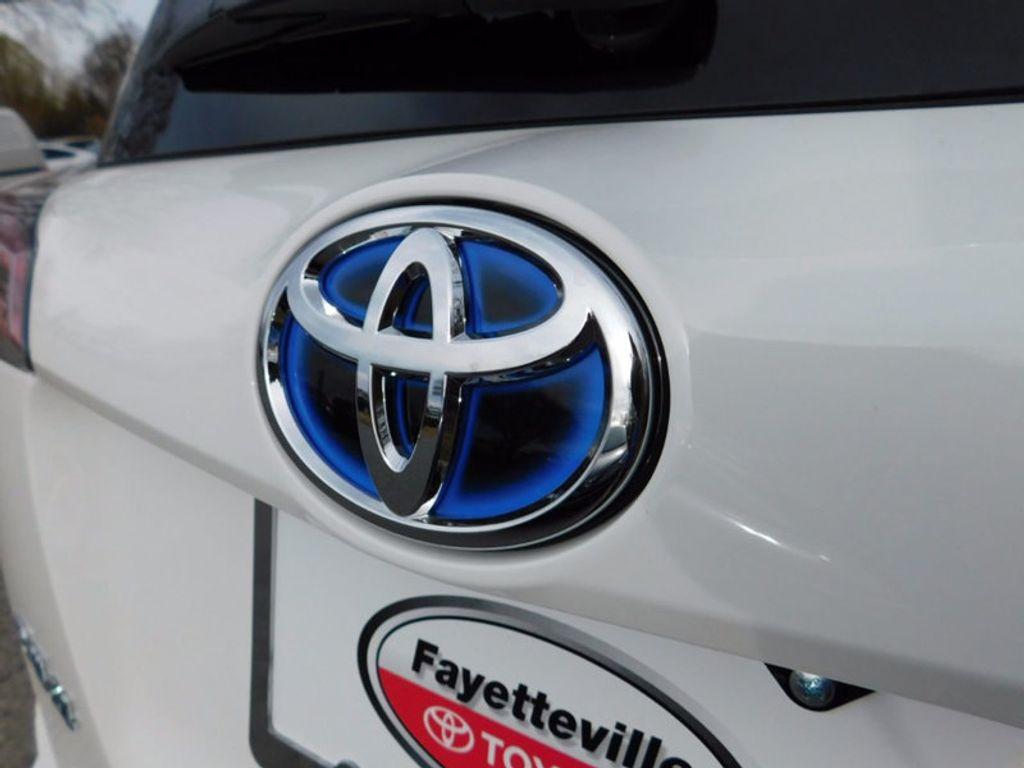 2018 Toyota RAV4 Hybrid XLE AWD - 17062844 - 4