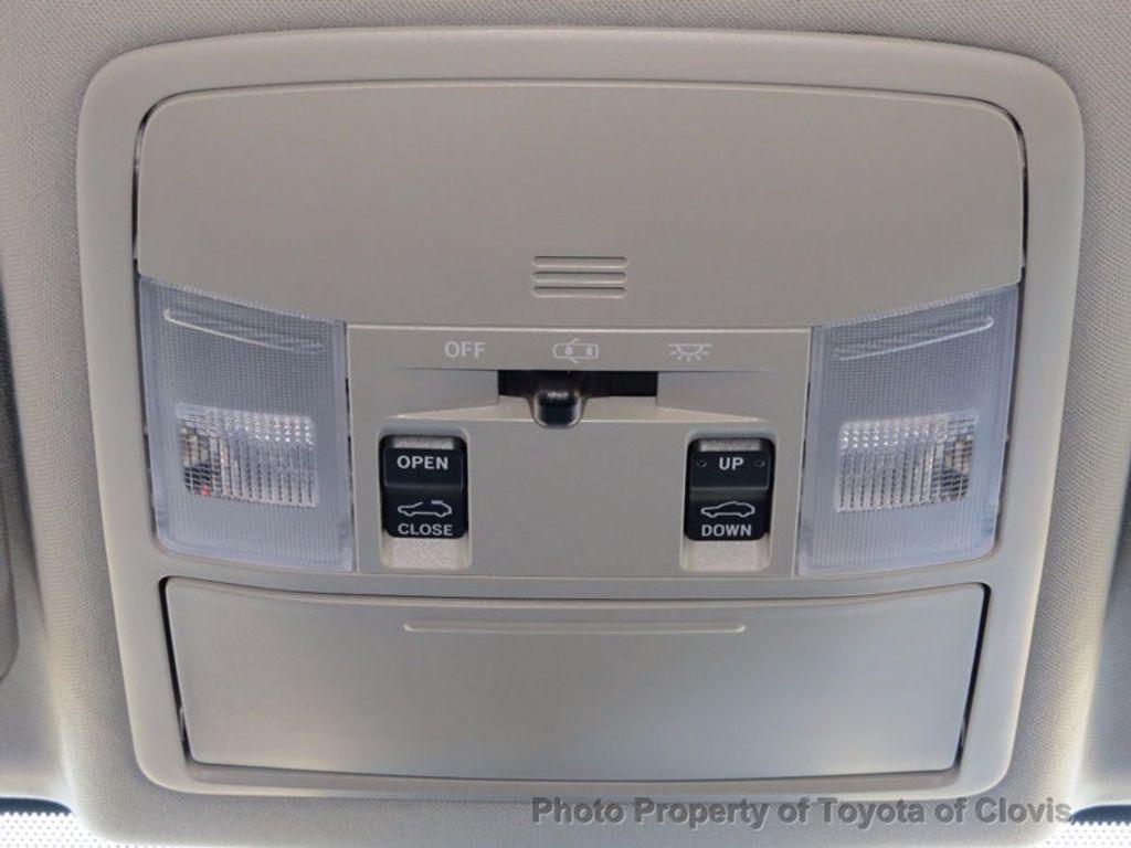 2018 Toyota RAV4 Hybrid XLE AWD - 16883897 - 15