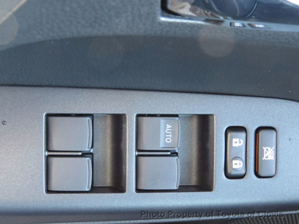 2018 Toyota RAV4 Hybrid XLE AWD - 16883897 - 17