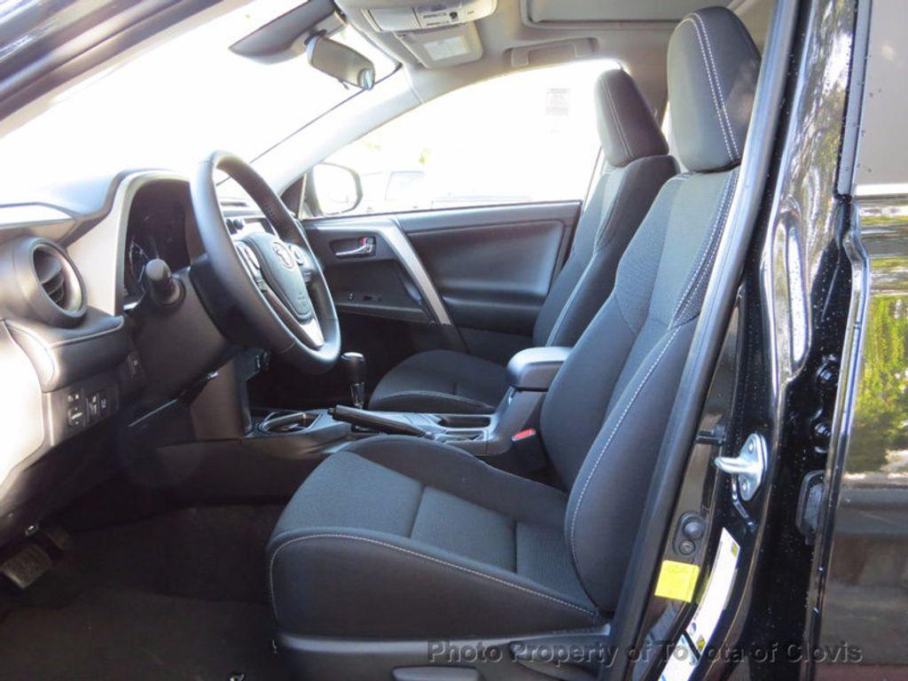 2018 Toyota RAV4 Hybrid XLE AWD - 16883897 - 3