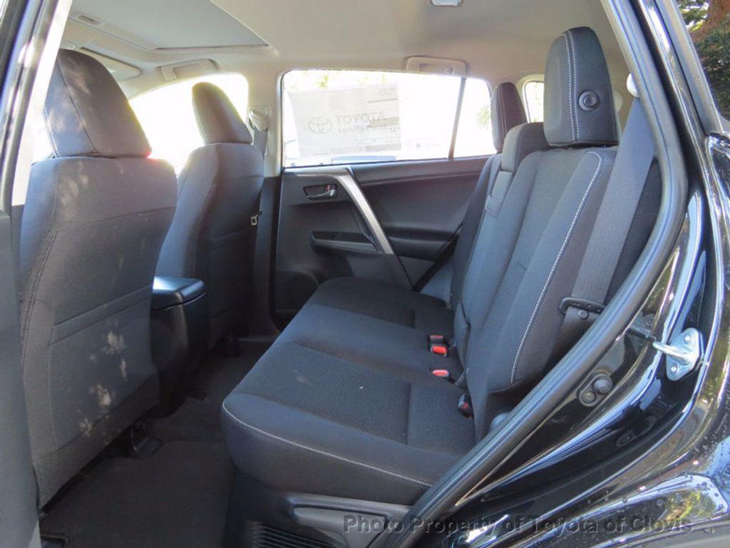2018 Toyota RAV4 Hybrid XLE AWD - 16883897 - 4
