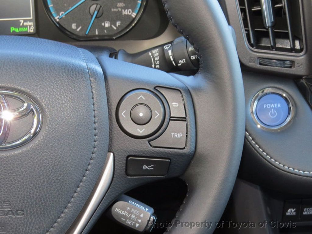2018 Toyota RAV4 Hybrid XLE AWD - 16883897 - 6