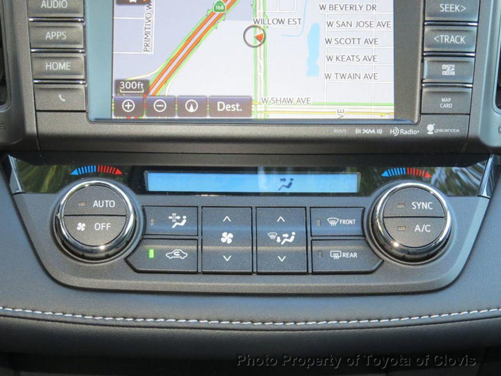 2018 Toyota RAV4 Hybrid XLE AWD - 17151667 - 11