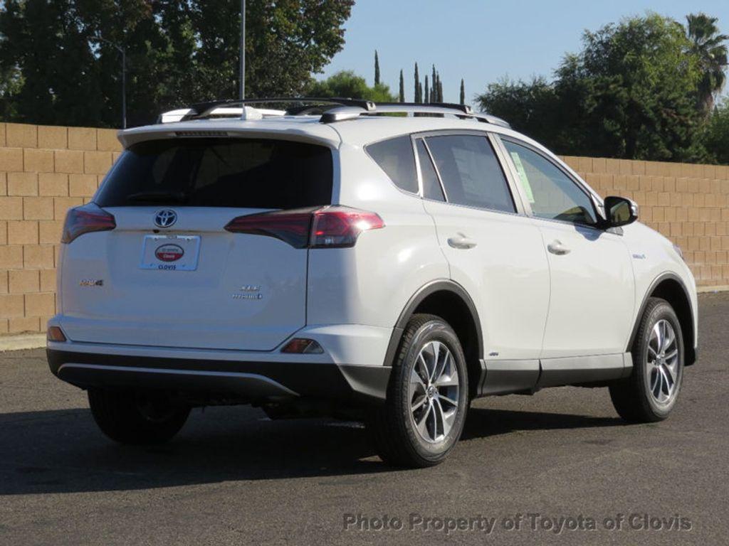 2018 Toyota RAV4 Hybrid XLE AWD - 17151667 - 2