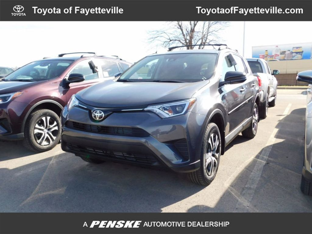 Dealer Video - 2018 Toyota RAV4 LE AWD - 17051744