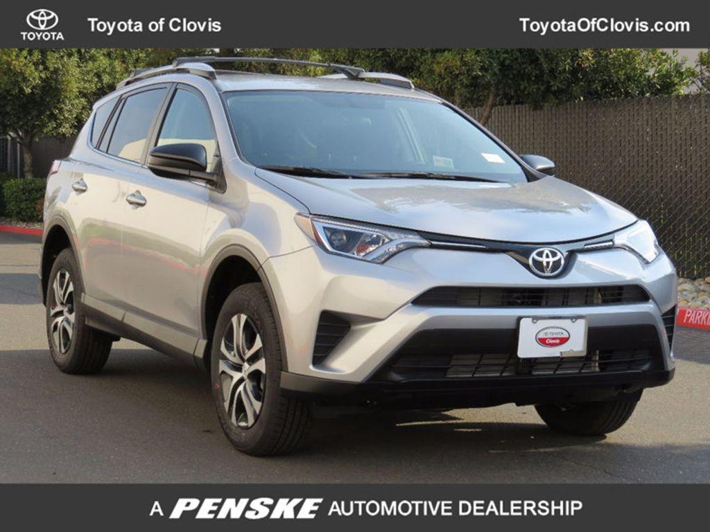 2018 Toyota RAV4 LE FWD - 17004114 - 0