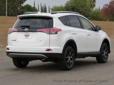 2018 Toyota RAV4 SE FWD SUV - Click to see full-size photo viewer