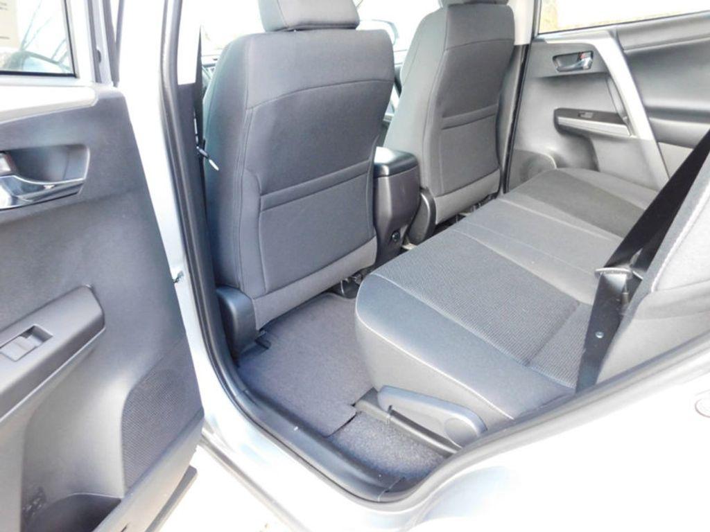 2018 Toyota RAV4 XLE AWD - 17162008 - 10