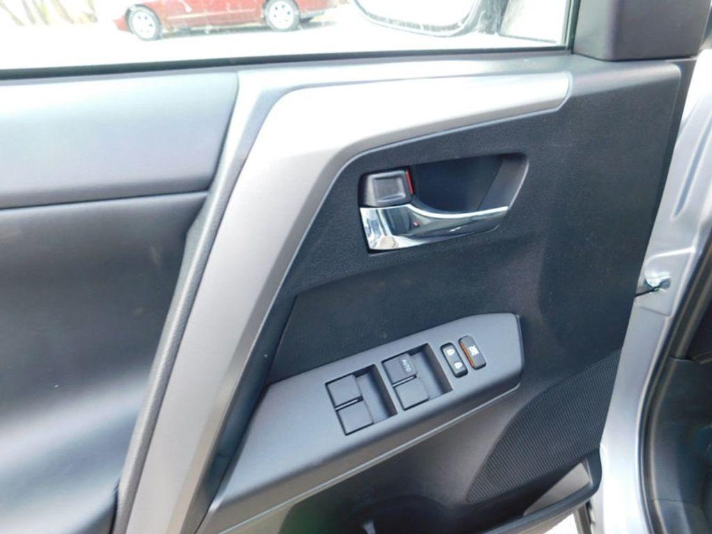 2018 Toyota RAV4 XLE AWD - 17162008 - 12