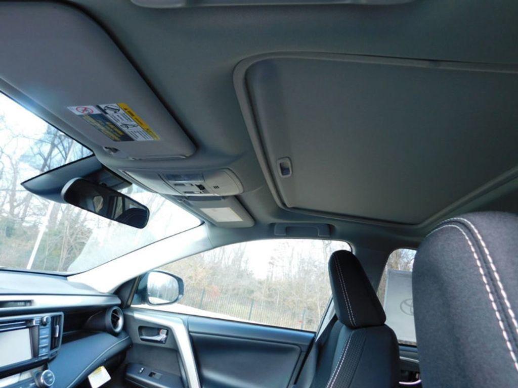 2018 Toyota RAV4 XLE AWD - 17162008 - 14