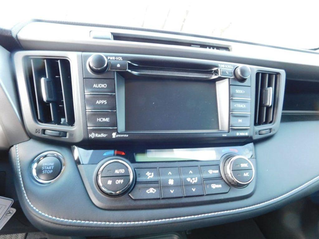 2018 Toyota RAV4 XLE AWD - 17162008 - 16