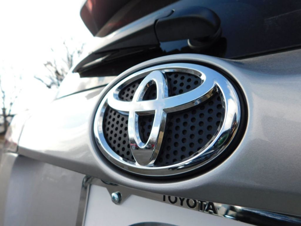 2018 Toyota RAV4 XLE AWD - 17162008 - 3