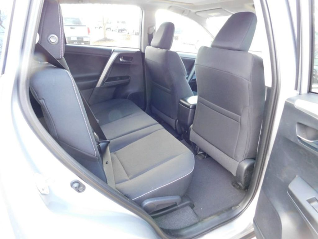 2018 Toyota RAV4 XLE AWD - 17162008 - 8