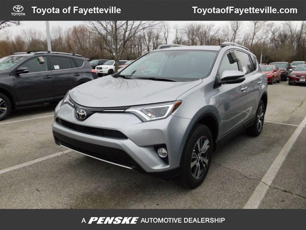 2018 Toyota RAV4 XLE AWD - 17181493 - 0