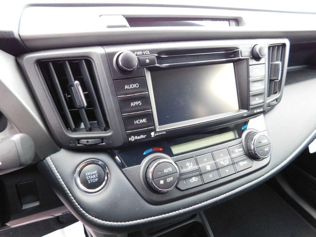 2018 Toyota RAV4 XLE AWD - 17181493 - 17