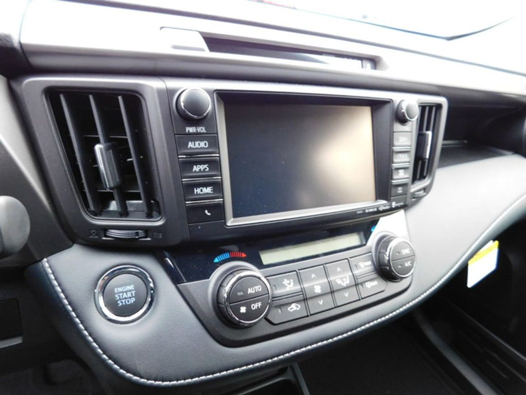 2018 Toyota RAV4 XLE AWD - 17233270 - 17