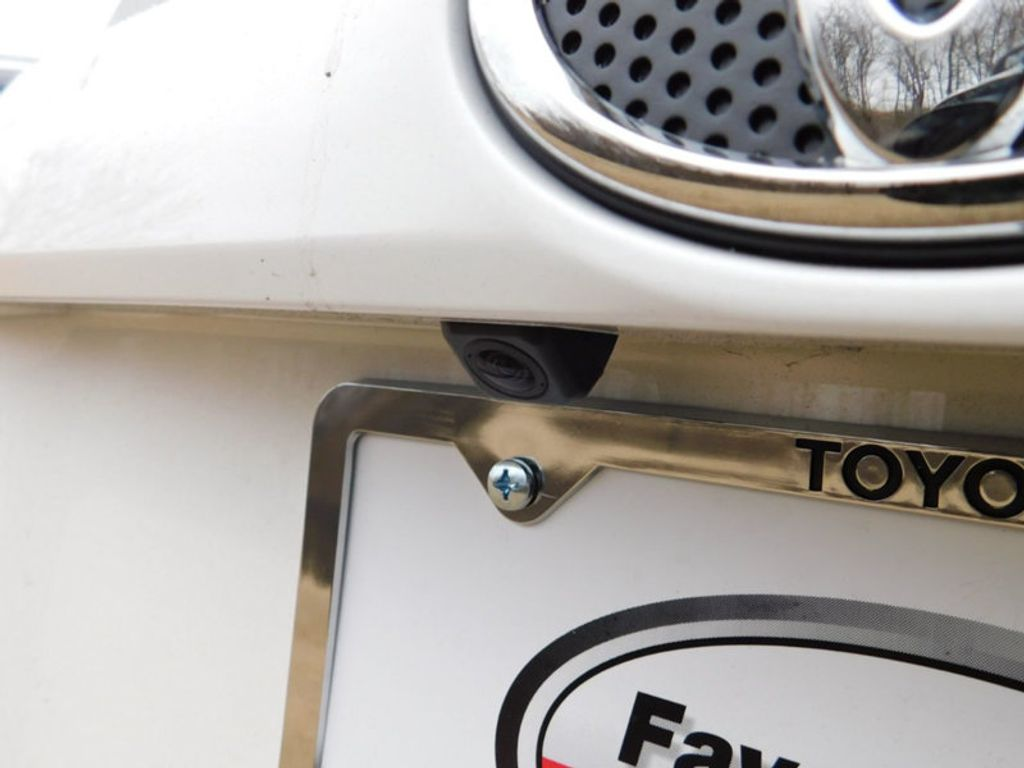 2018 Toyota RAV4 XLE AWD - 17233270 - 6