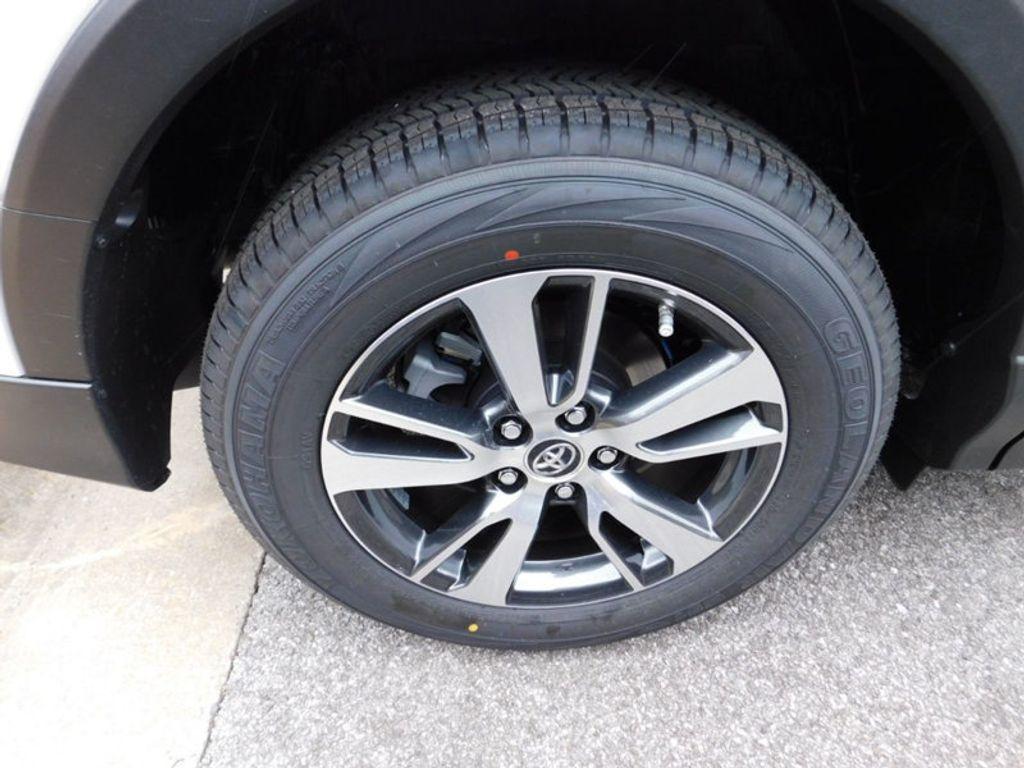 2018 Toyota RAV4 XLE AWD - 17233270 - 7