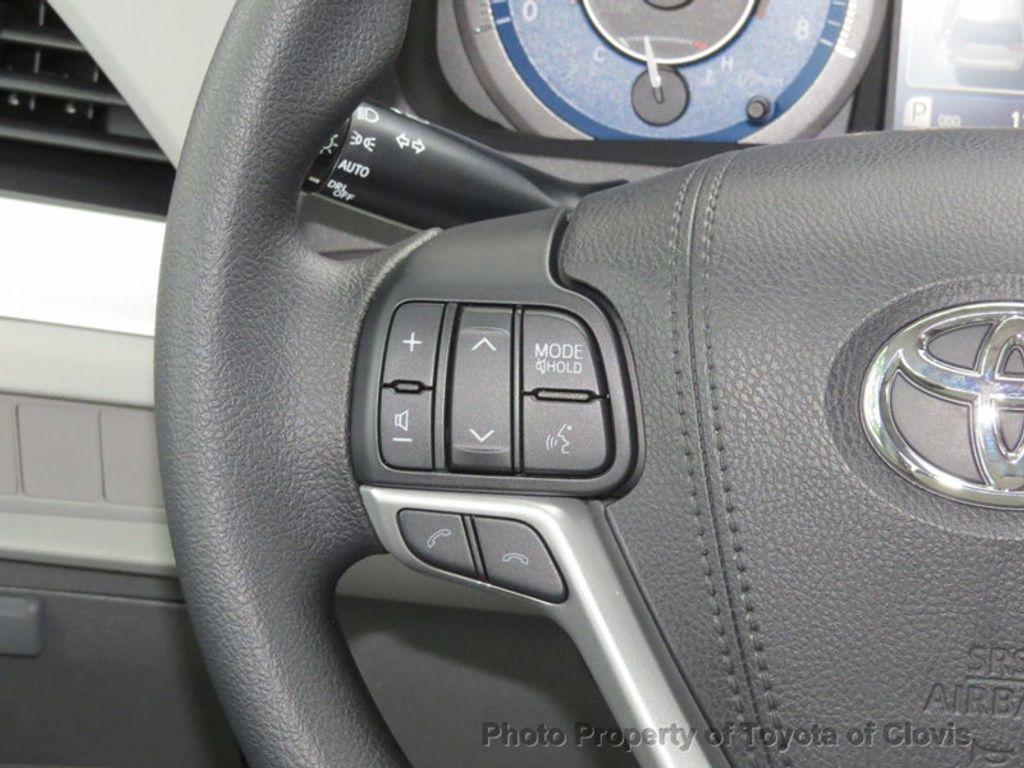 2018 Toyota Sienna LE FWD 8-Passenger - 17308715 - 9