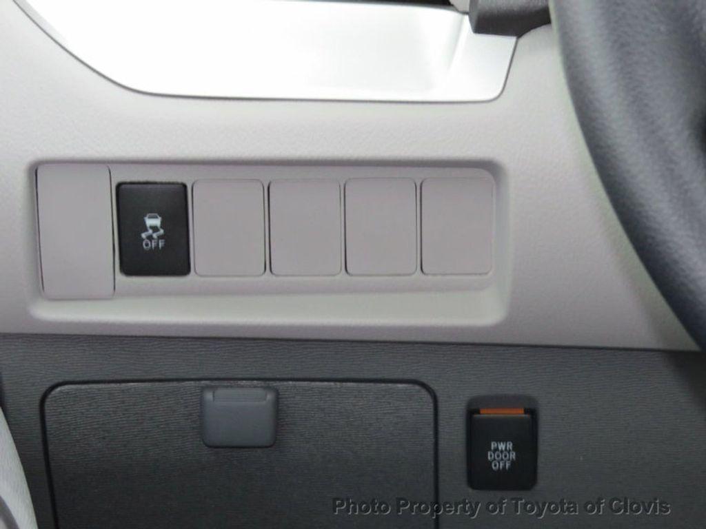 2018 Toyota Sienna LE FWD 8-Passenger - 17308715 - 10