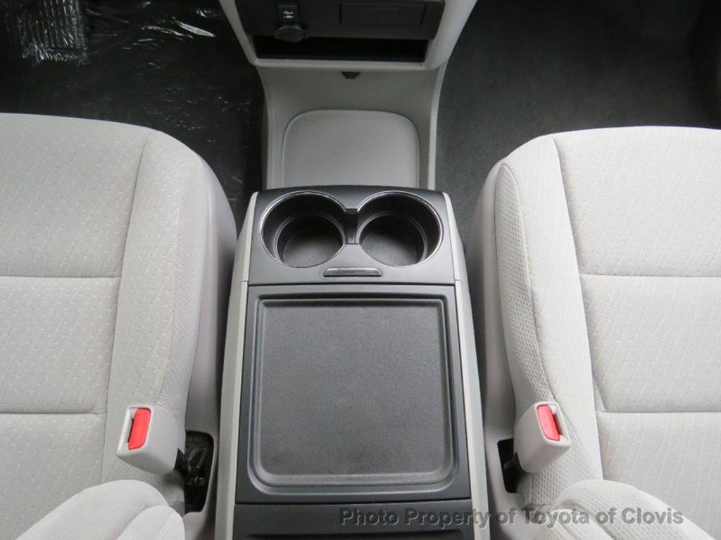 2018 Toyota Sienna LE FWD 8-Passenger - 17308715 - 16