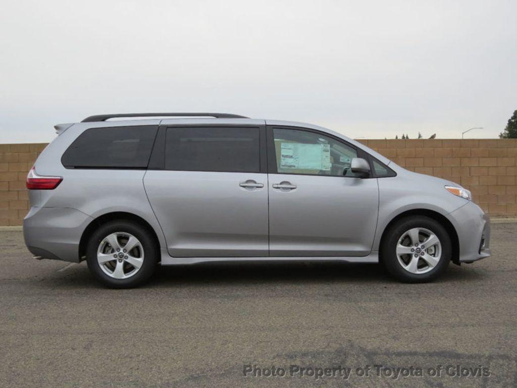 2018 Toyota Sienna LE FWD 8-Passenger - 17308715 - 1