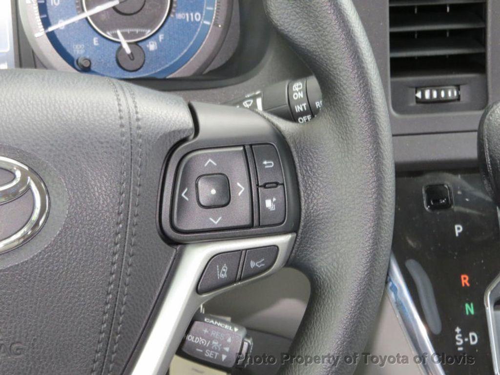 2018 Toyota Sienna LE FWD 8-Passenger - 17308715 - 8