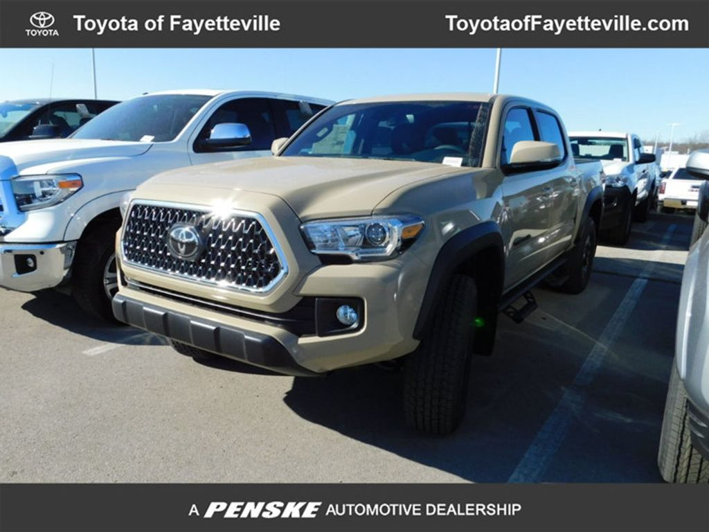 2018 Toyota Tacoma TRD Off Road Double Cab 5' Bed V6 4x4 Automatic - 17254484 - 0