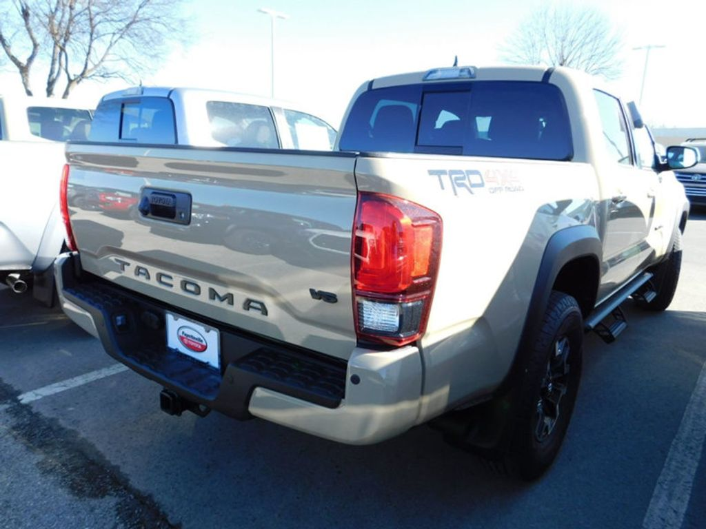 2018 Toyota Tacoma TRD Off Road Double Cab 5' Bed V6 4x4 Automatic - 17254484 - 2