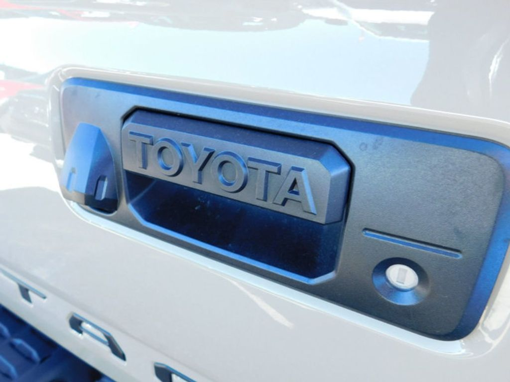 2018 Toyota Tacoma TRD Off Road Double Cab 5' Bed V6 4x4 Automatic - 17254484 - 3