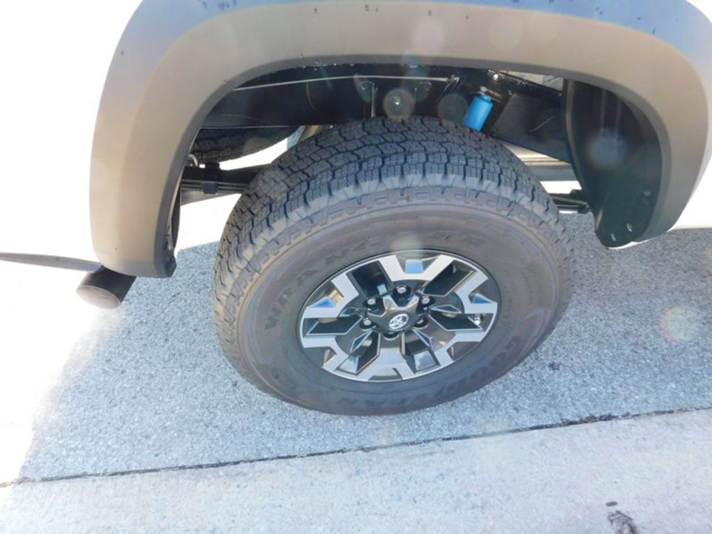 2018 Toyota Tacoma TRD Off Road Double Cab 6' Bed V6 4x4 Automatic - 17314379 - 7
