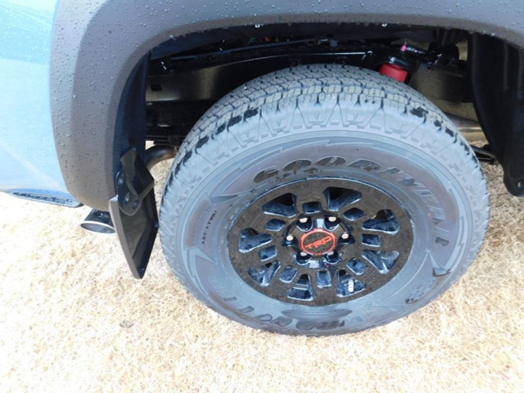 2018 Toyota Tacoma TRD Pro Double Cab 5' Bed V6 4x4 Automatic - 17162343 - 8