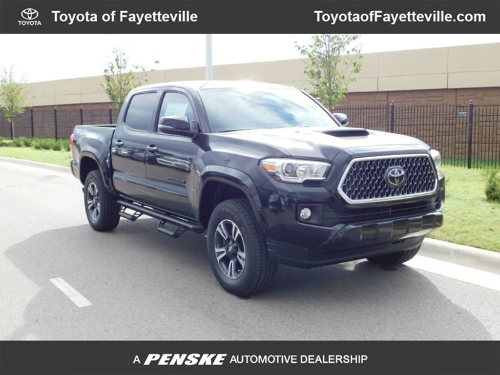 2018 Toyota Tacoma TRD Sport Double Cab 5' Bed V6 4x4 Automatic - 18157577 - 0