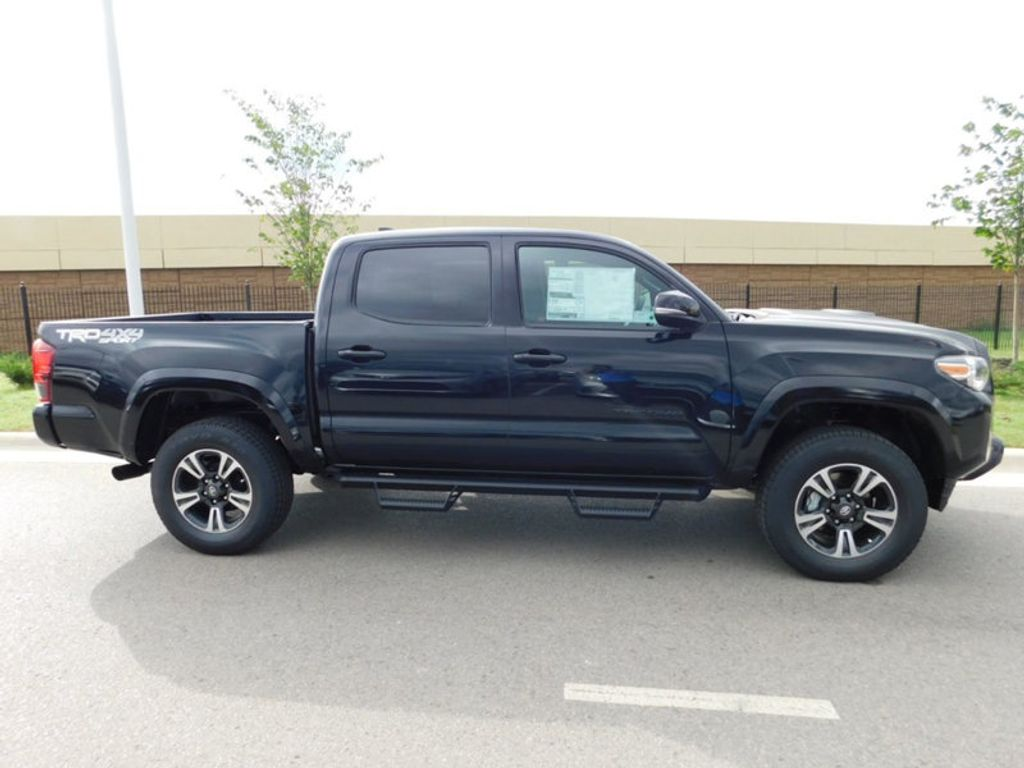 2018 Toyota Tacoma TRD Sport Double Cab 5' Bed V6 4x4 Automatic - 18157577 - 1