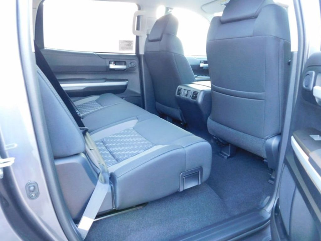 2018 Toyota Tundra 2WD SR5 CrewMax 5.5' Bed 5.7L - 16765789 - 9