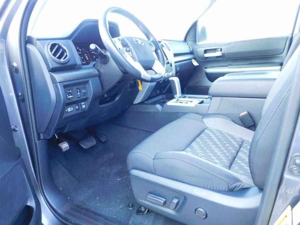2018 Toyota Tundra 2WD SR5 CrewMax 5.5' Bed 5.7L - 16765789 - 13
