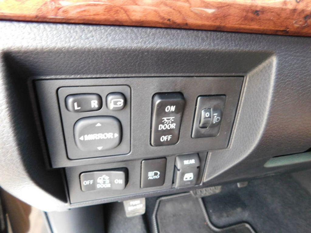 2018 Toyota Tundra 4WD 1794 Edition CrewMax 5.5' Bed 5.7L FFV - 17171659 - 15