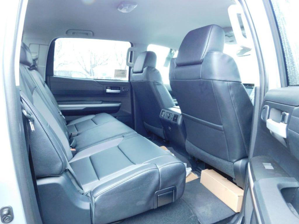 2018 Toyota Tundra 4WD Limited CrewMax 5.5' Bed 5.7L FFV - 17314382 - 11