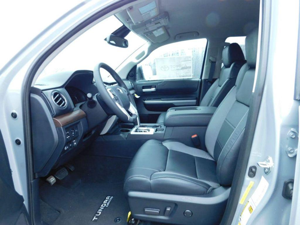 2018 Toyota Tundra 4WD Limited CrewMax 5.5' Bed 5.7L FFV - 17314382 - 14