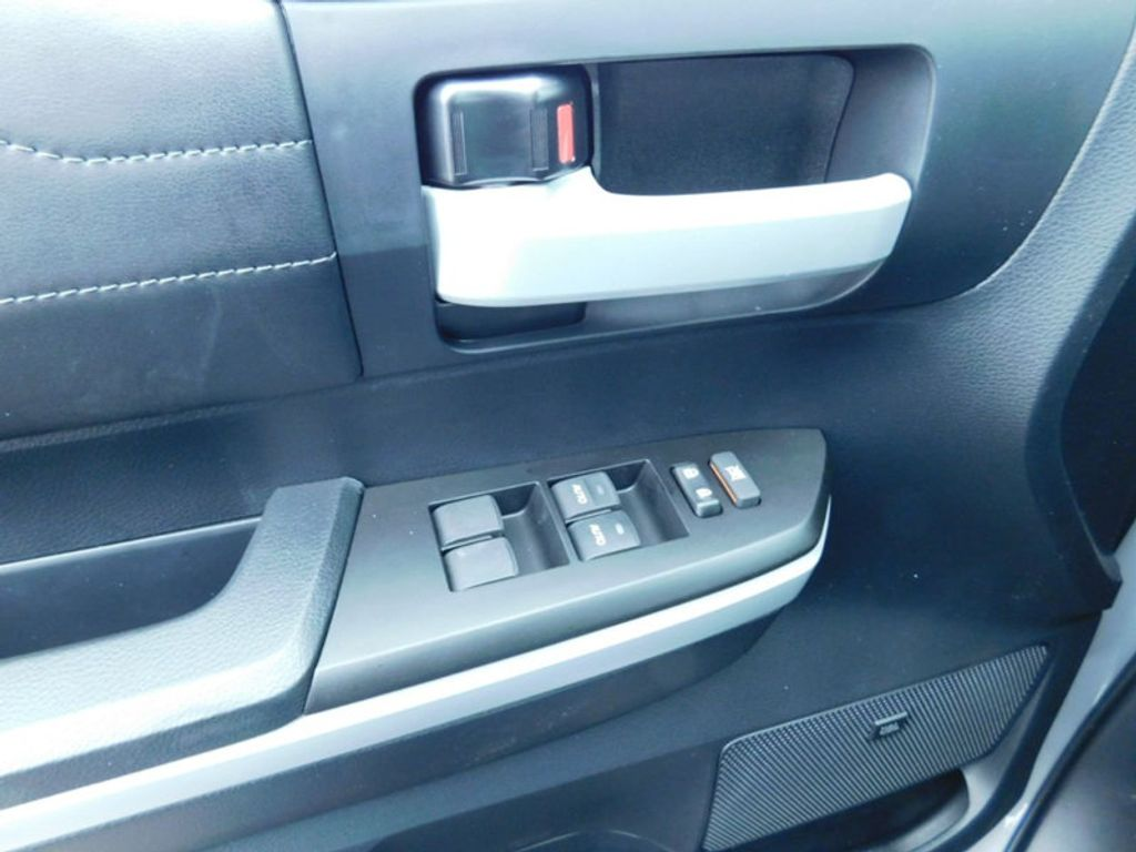 2018 Toyota Tundra 4WD Limited CrewMax 5.5' Bed 5.7L FFV - 17314382 - 17